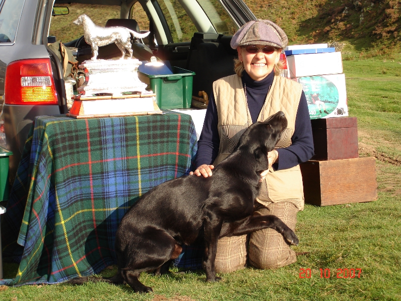 Sandra winning Scottish Field Trial Association with FTCH Logo 2007